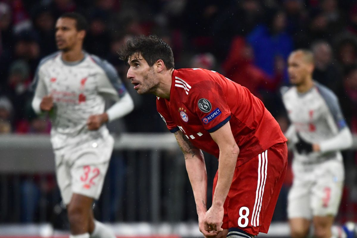 13 March 2019, Bavaria, München: Soccer: Champions League, knockout round, round of sixteen, second leg: FC Bayern Munich - FC Liverpool in the Allianz Arena. Munich's Javi Martinez reacts after the 2:1 lead for Liverpool.