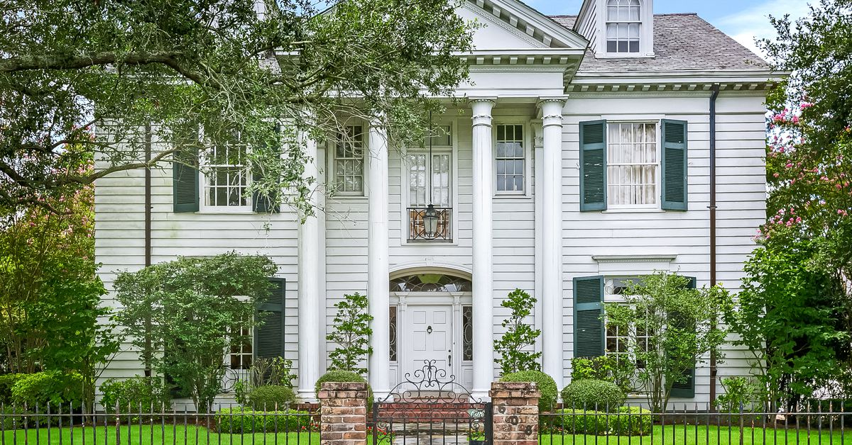 Circa 1928 colonial home for sale by architect solis for Metairie architects