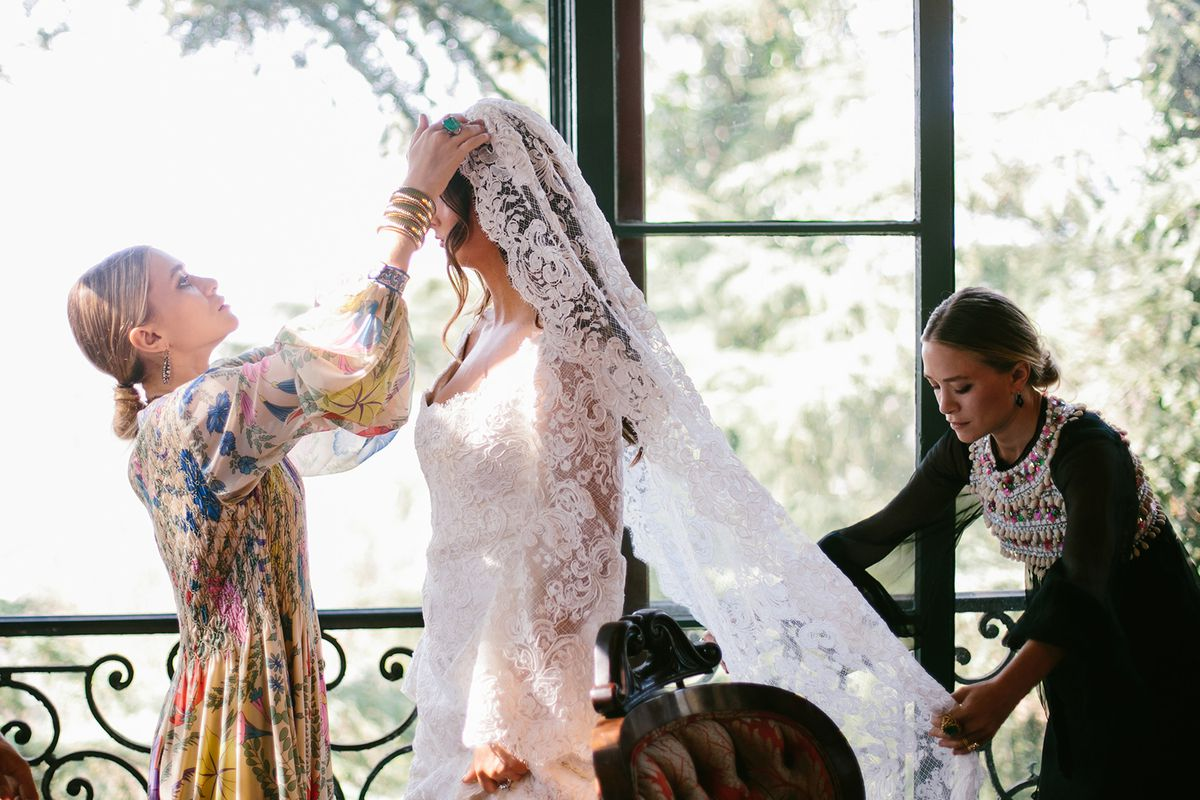 The Olsen\'s First Wedding Dress is the Stuff of Bohemian Fantasy ...