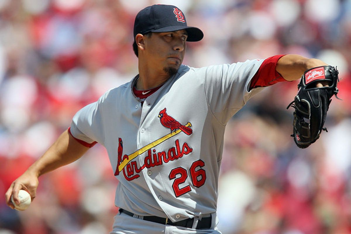 PHILADELPHIA - MAY 06:  Kyle Lohse #26 of the St. Louis Cardinals delivers a pitch against the Philadelphia Phillies at Citizens Bank Park on May 6, 2010 in Philadelphia, Pennsylvania.  (Photo by Jim McIsaac/Getty Images)