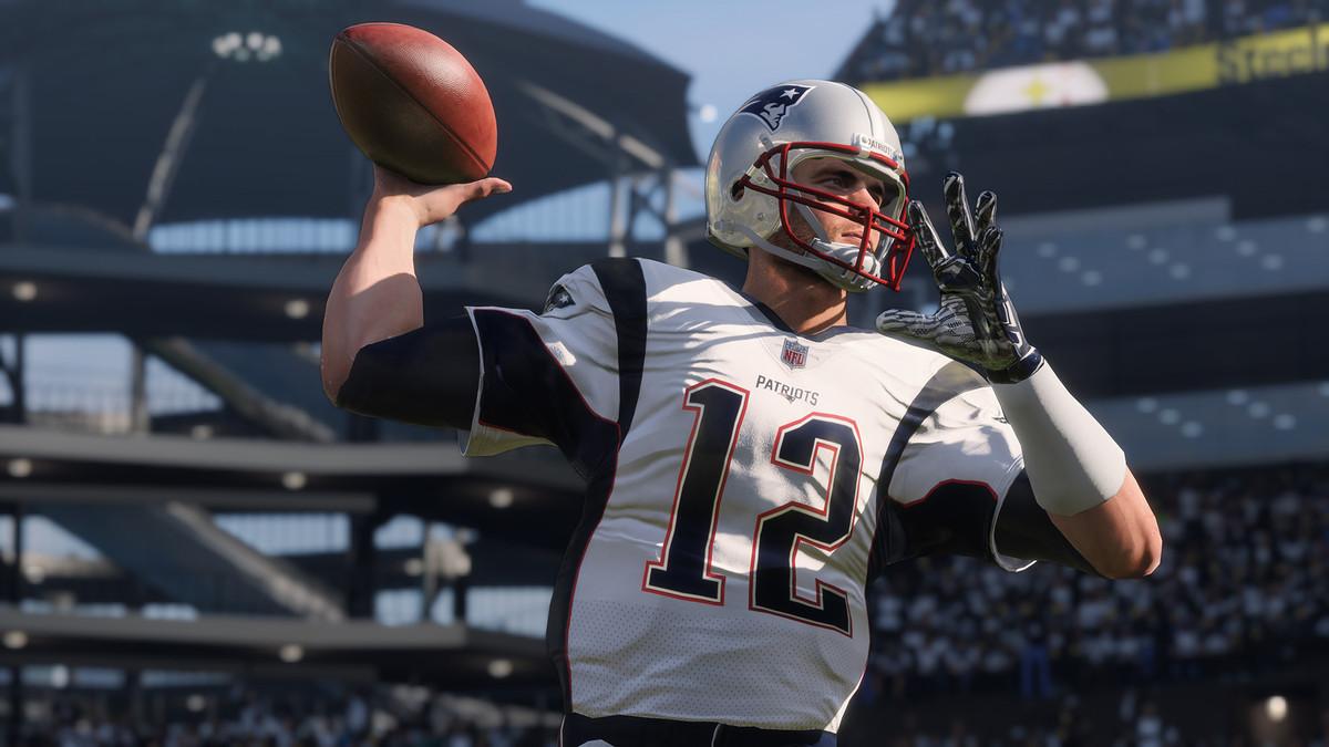 Madden NFL 18 - Tom Brady throwing