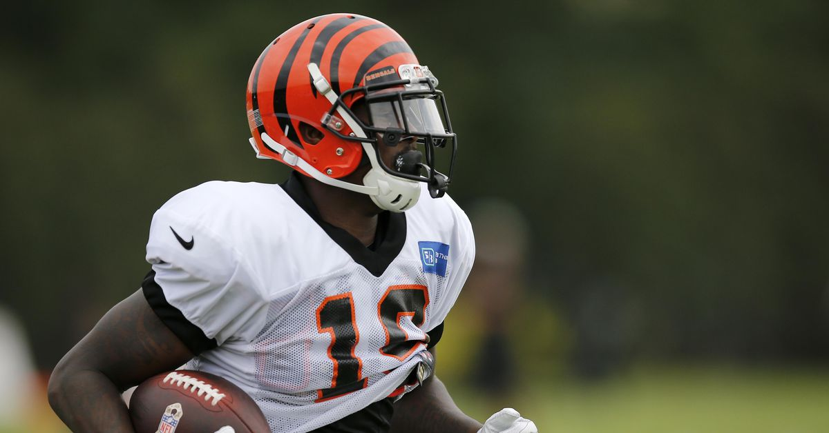 Bengals sign CB KeiVarae Russell off practice squad, waive WR Auden Tate