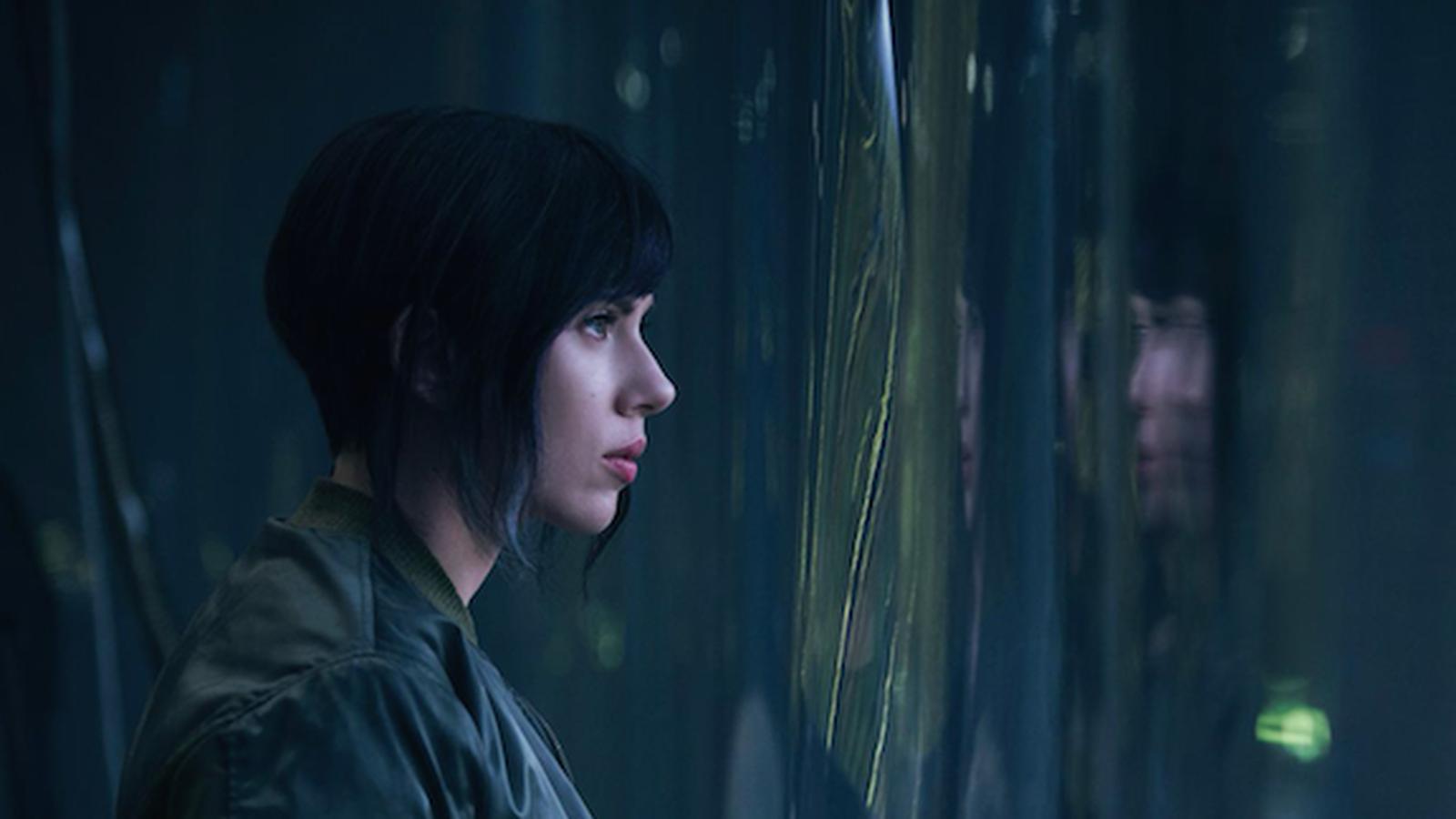 Scarlett Johansson Goes to Battle in Ghost in the Shell