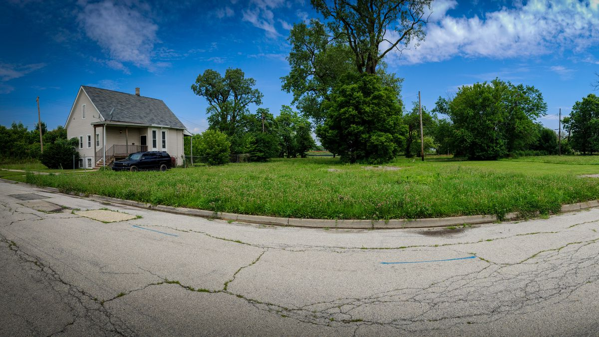 Englewood: Why tearing down homes to save South Side neighborhood hasn't worked