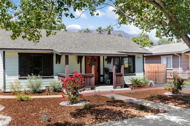 Front of Pasadena home