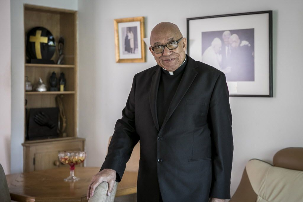 Father George Clements, 85, at his Evergreen Park home in 2017.