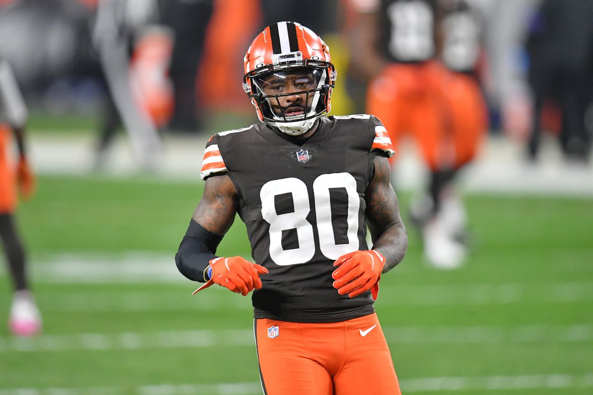 Wide receiver Jarvis Landry #80 of the Cleveland Browns warms up prior to the game against the Baltimore Ravens at FirstEnergy Stadium on December 14, 2020 in Cleveland, Ohio.