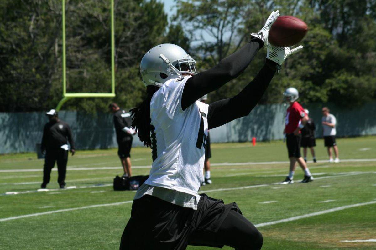 Raiders wide receiver Greg Jenkins in drills at OTA practice