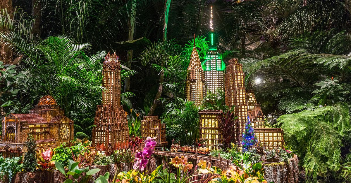 See a miniature empire state building at this year 39 s ny botanical garden train show curbed ny for Bronx botanical garden train show