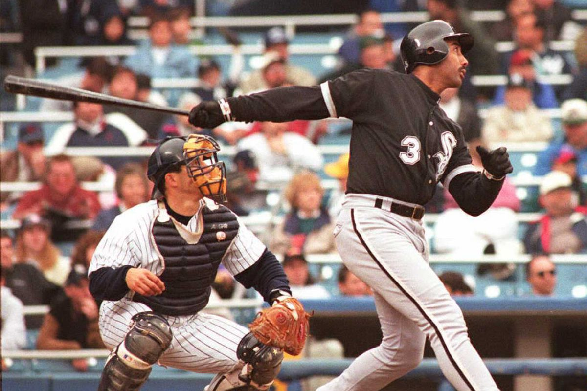 Chicago White Sox Harold Baines (R) and New York Y