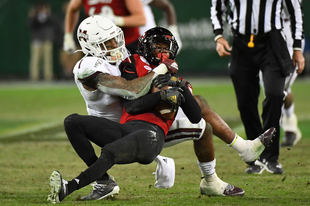NCAA Football: Music City Bowl-Mississippi State vs Louisville
