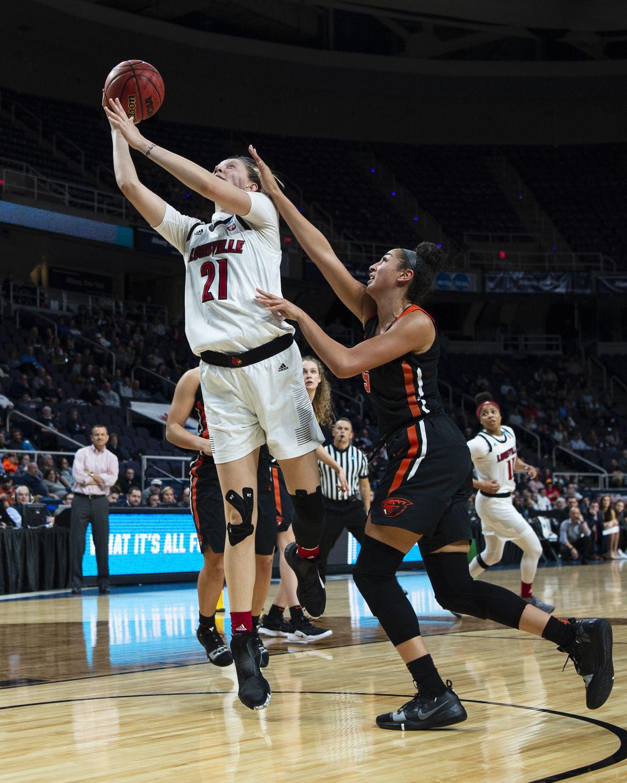 NCAA BASKETBALL: MAR 29 Div I Women's Championship - Third Round - Oregon State v Louisville