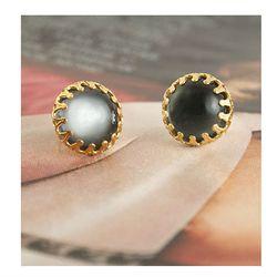 "<a href=""http://ericaweiner.com/products/mood-earrings#.UtAcZ-y81EB"">Mood earrings</a>, $20.00 (were $30.00)"