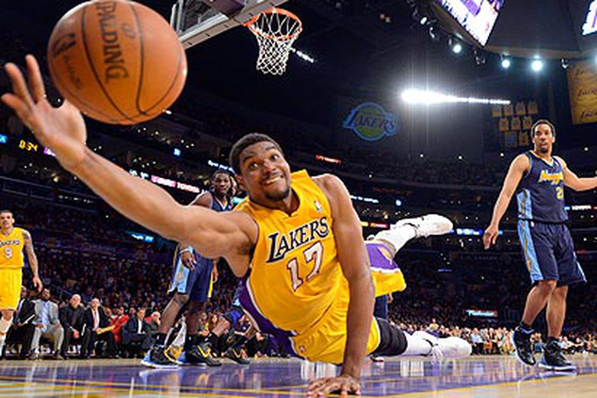 Andrew Bynum showing some effort.