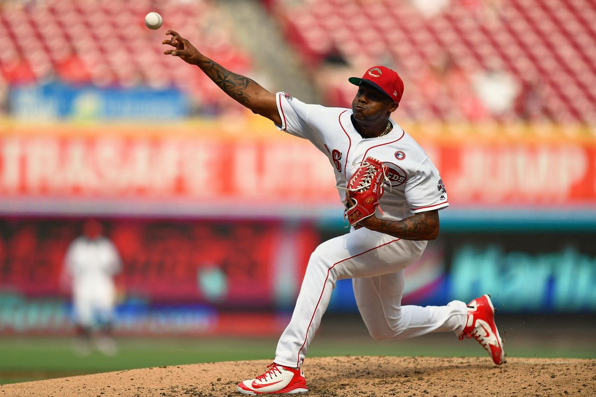 Reds bullpen backs solid Luis Castillo start, while the offense does the little things to win 6-3