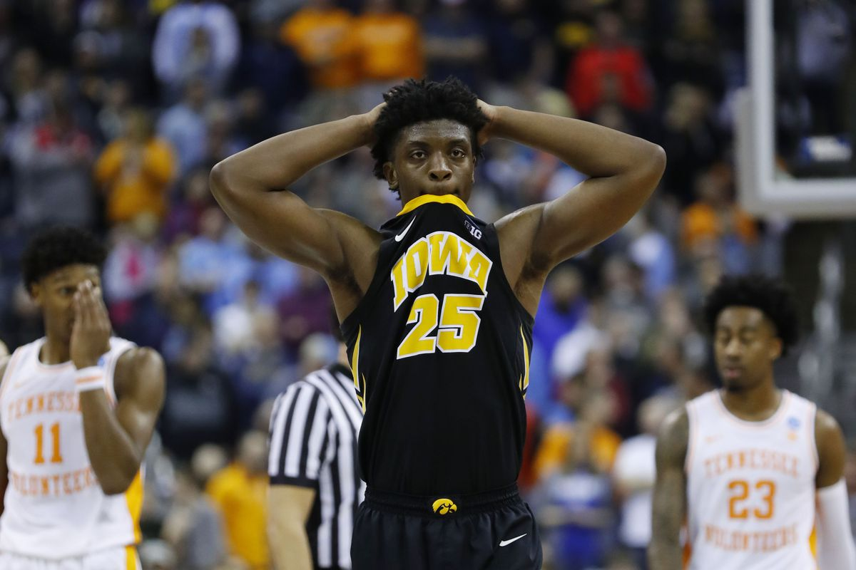 online retailer 180f2 7964a Tennessee 83, Iowa 77: Hawkeyes fall short in overtime ...