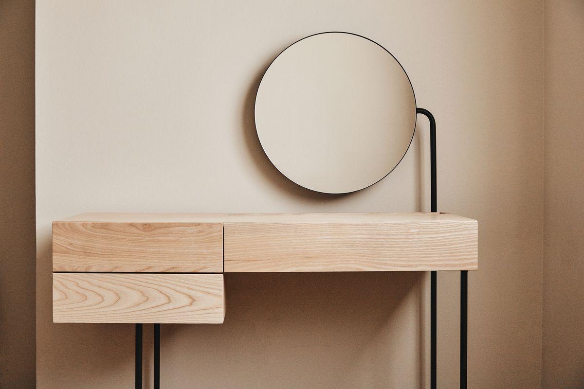 Minimalist Vanity Desk From Dims Is