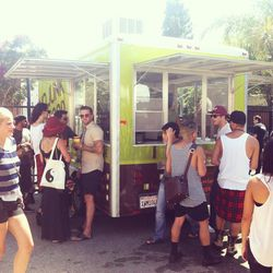 Burger Lounge's truck hooked up free grub
