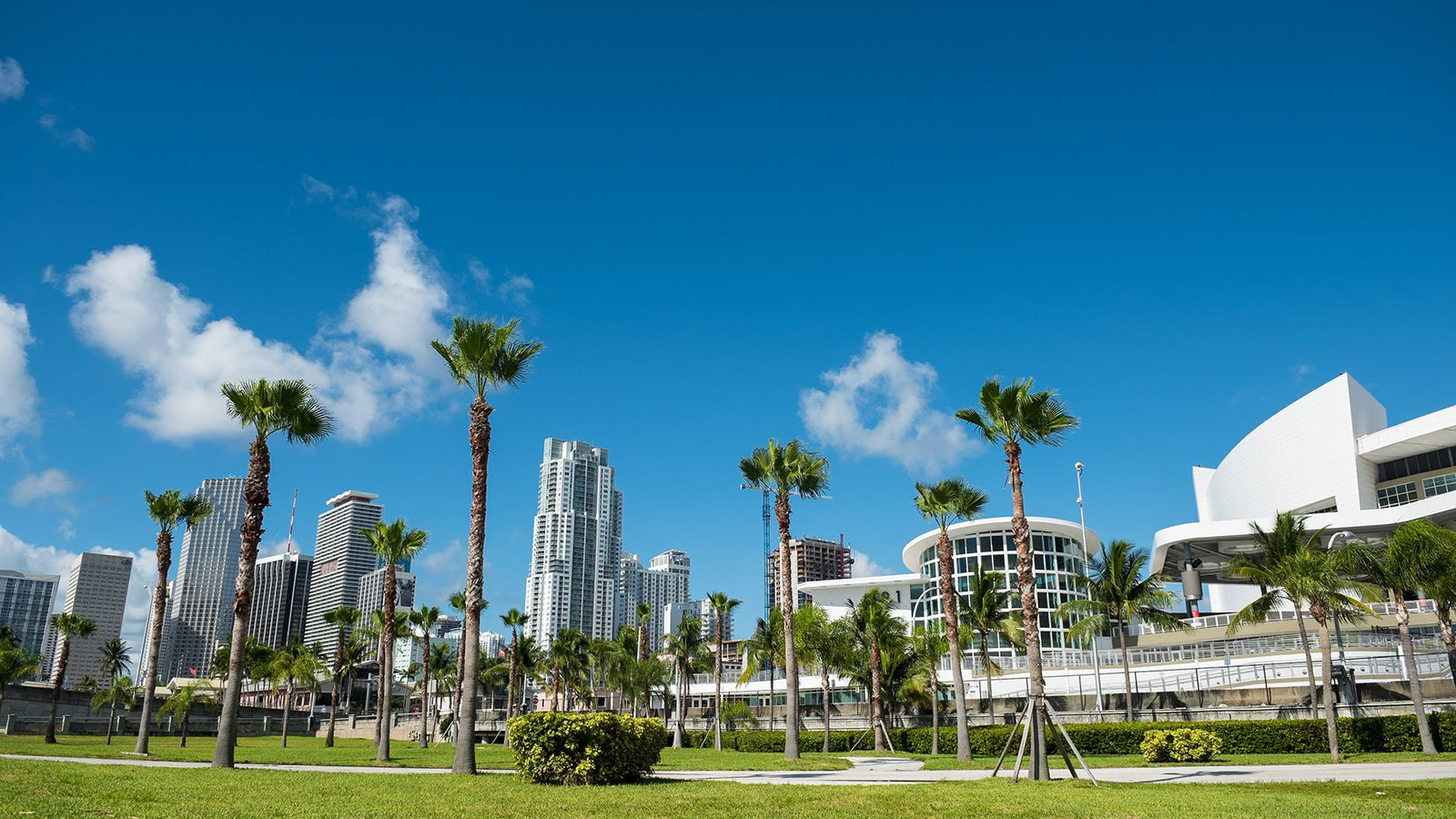 Downtown Miami Finally Gets Its Park Next To American