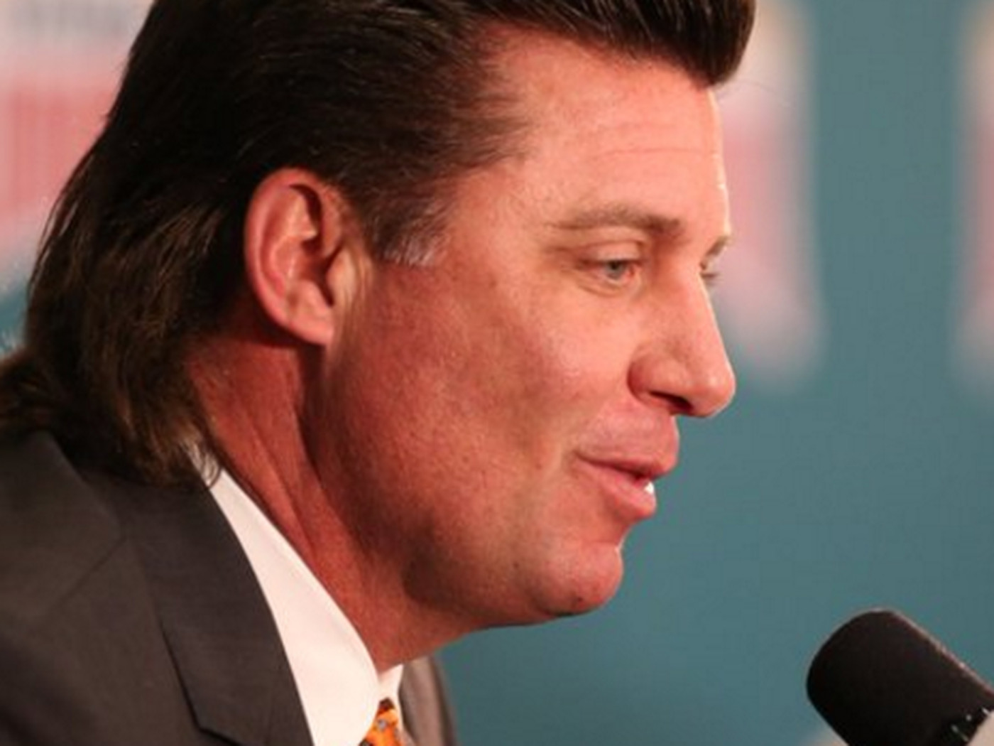 Oklahoma State S Mike Gundy Has A Mullet You Must Know These 7 Things About It Sbnation Com
