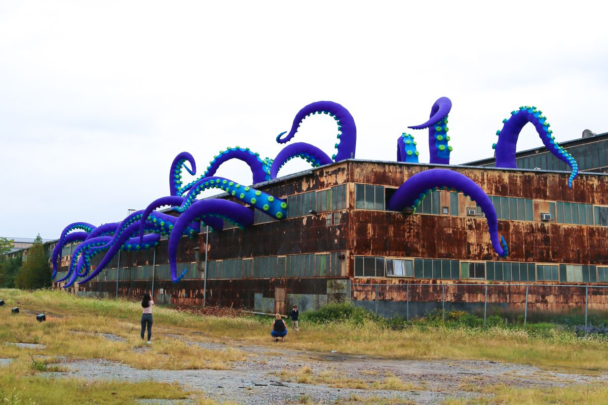 the navy yard sea monster art project in 9 creepy funny photos