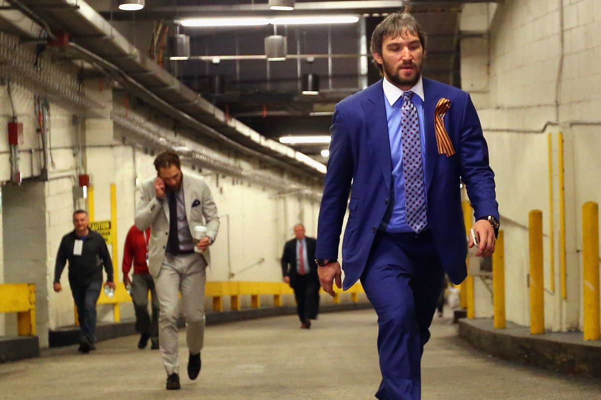 Ovechkin won first prize at a blueberry pie bakeoff