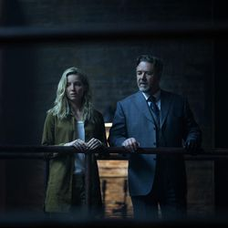 """Jenny Halsey (Annabelle Wallis) and Dr. Henry Jekyll (Russell Crowe) in """"The Mummy."""""""