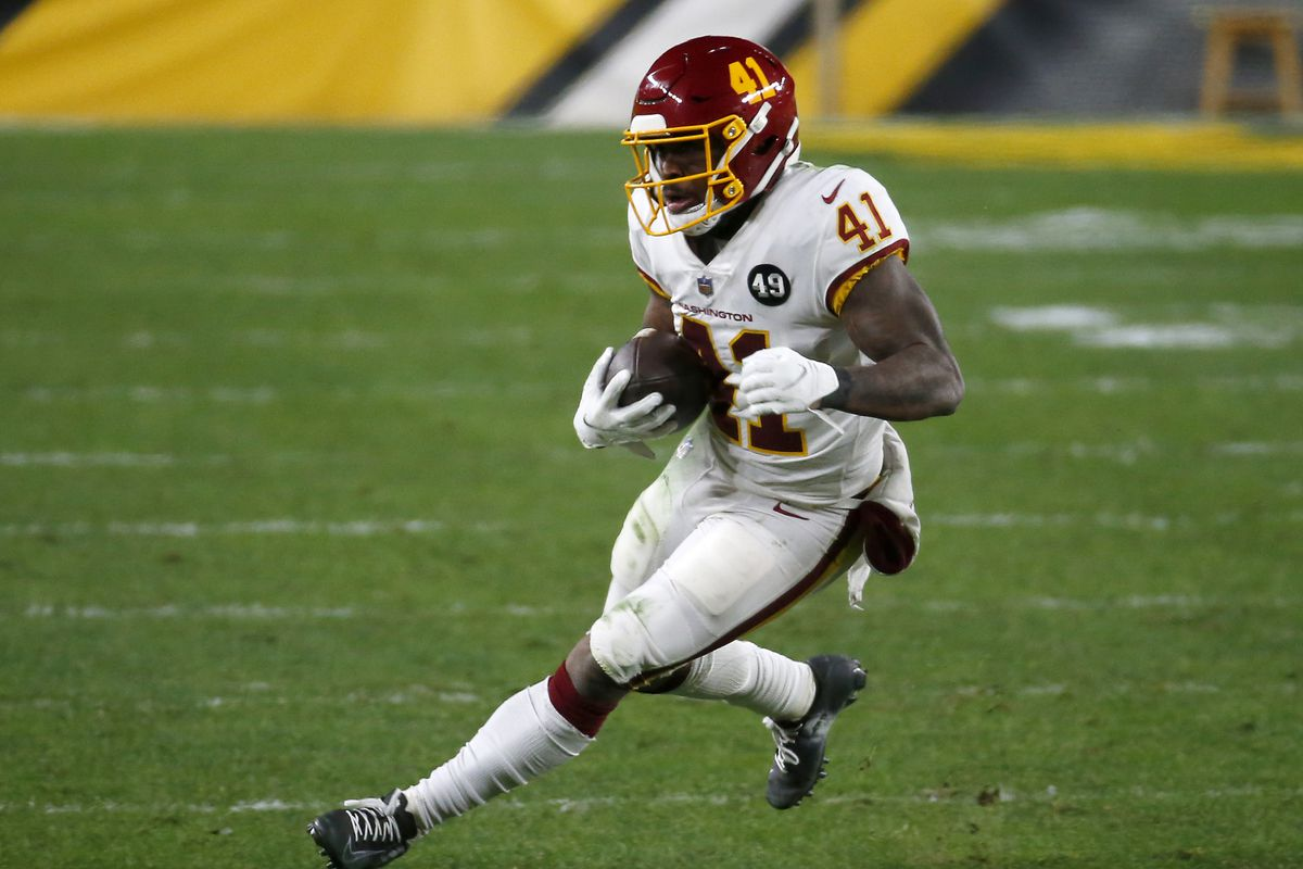 J.D. McKissic, Peyton Barber Fantasy football start/sit advice: What to do  with the Washington RBs in Week 14 - DraftKings Nation
