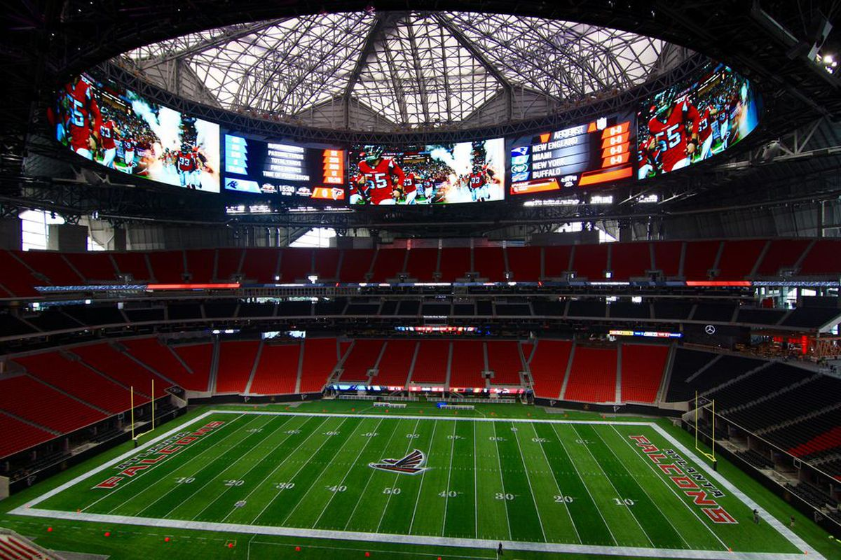 Mercedes benz stadium roof audio problems to be fixed by for Mercedes benz stadium calendar