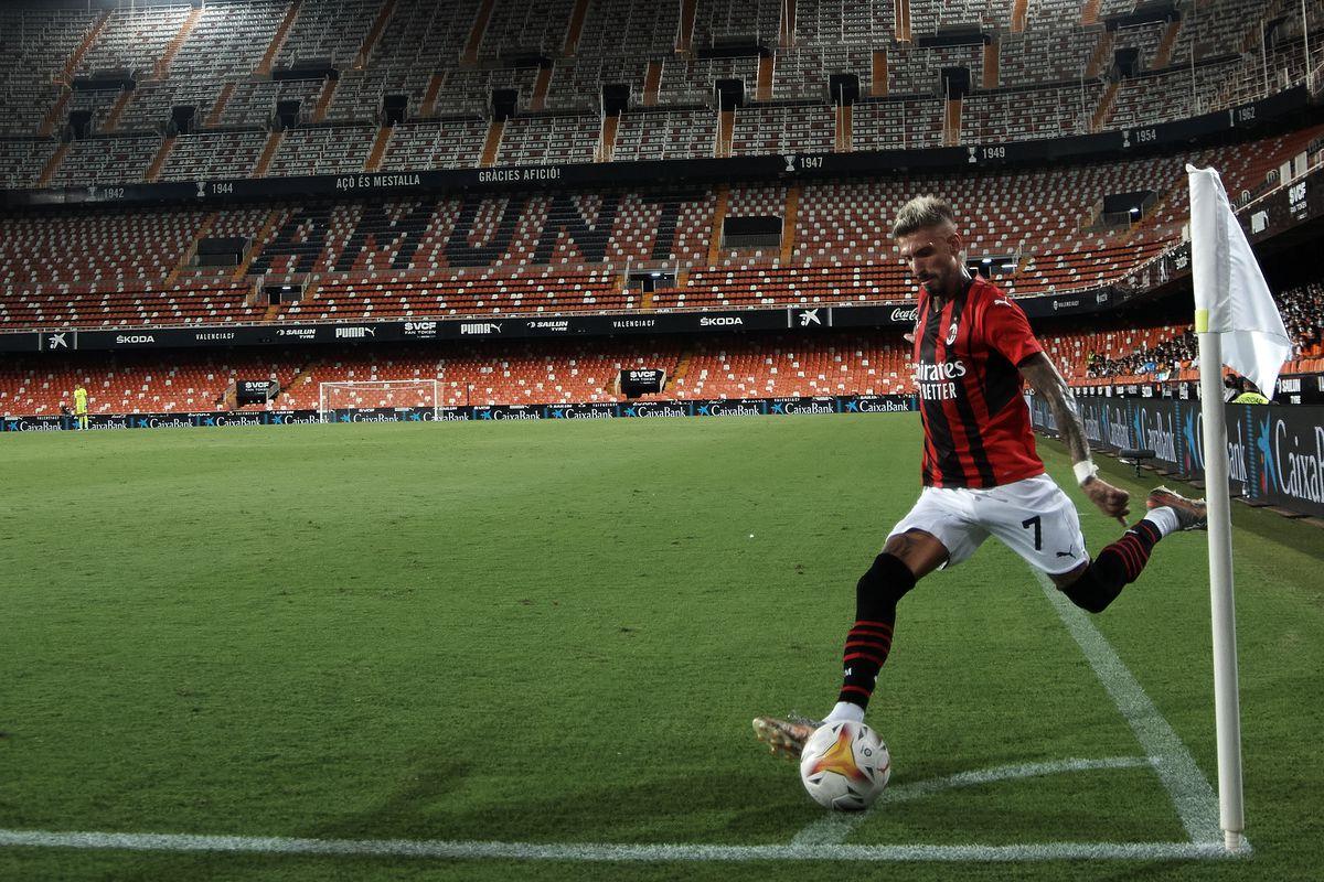 Valencia v AC Milan - Pre-Season Friendly