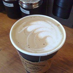 "<b>Americano Misto</b>: Half Americano, half steamed milk. (<a href=""http://www.flickr.com/photos/boris/4356543193/"">Photo</a>)"