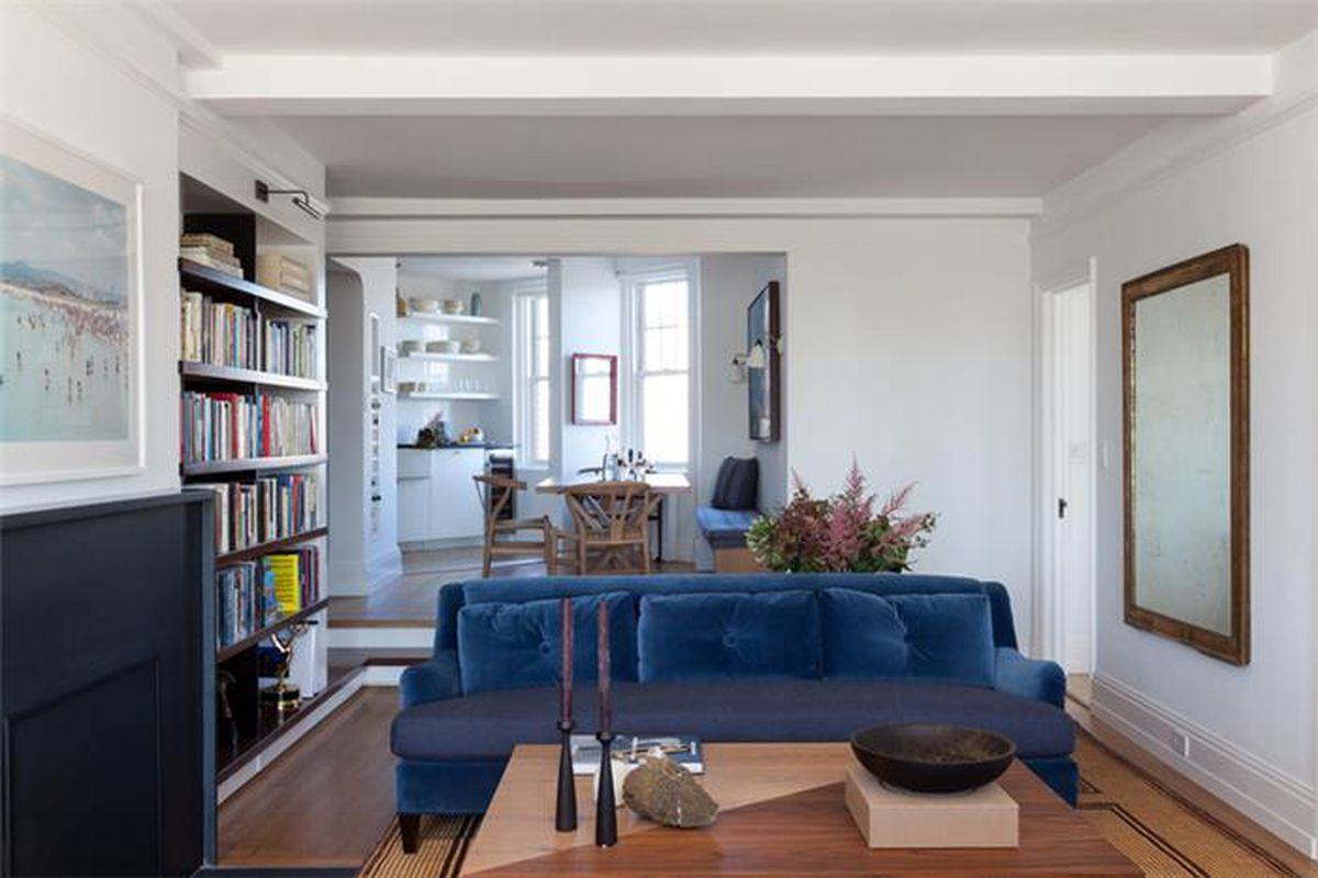 Seth Meyers sells modest West Village two-bedroom - Curbed NY