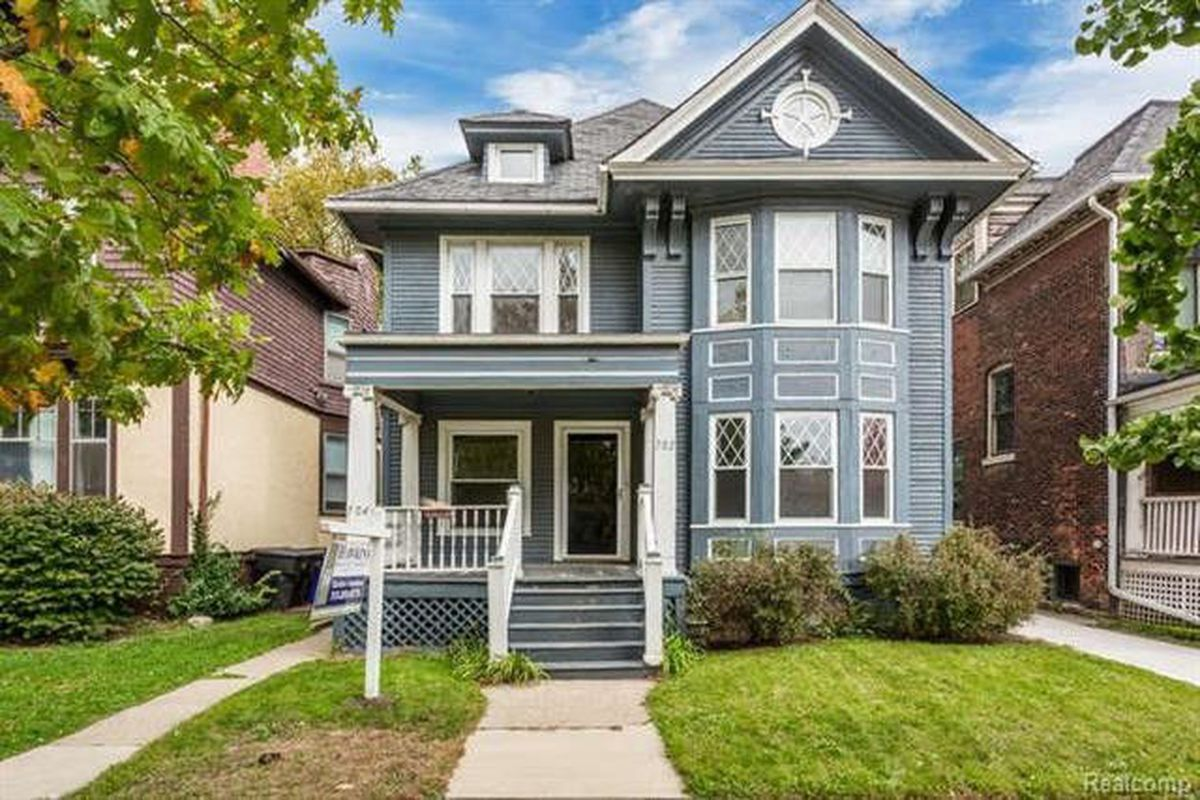 west village duplex seeks 335k curbed detroit. Black Bedroom Furniture Sets. Home Design Ideas