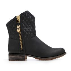 "<b>Matt Bernson</b> Gotham boot in black, <a href=""http://www.mattbernson.com/store/gotham-mb9-19-neroblack#"">$253</a>"