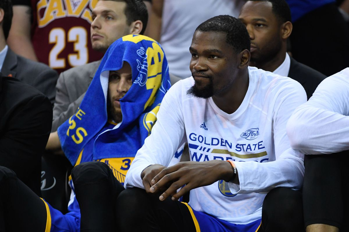 Kevin Durant apologizes to James Worthy ends beef Silver Screen
