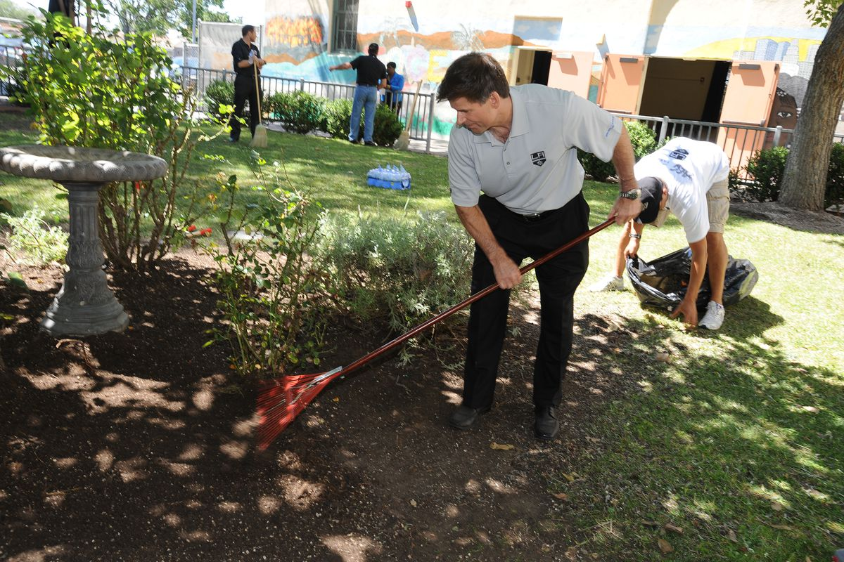 2,000 Acts Of Hope Charitable Initiative With The Los Angeles Kings