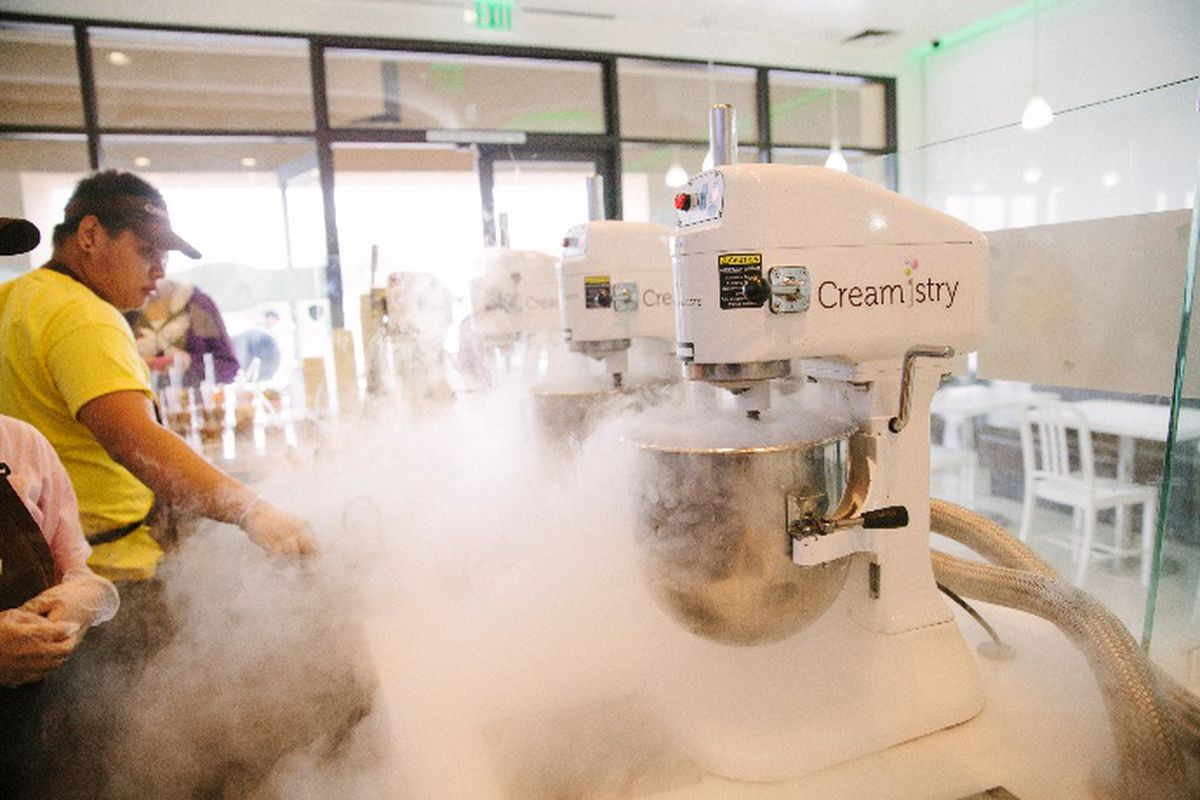 High-Tech Liquid Nitrogen Ice Cream Shop Eyes Landing in ...
