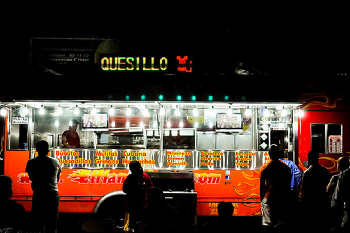 El Flamin' Taco Truck, Downtown.