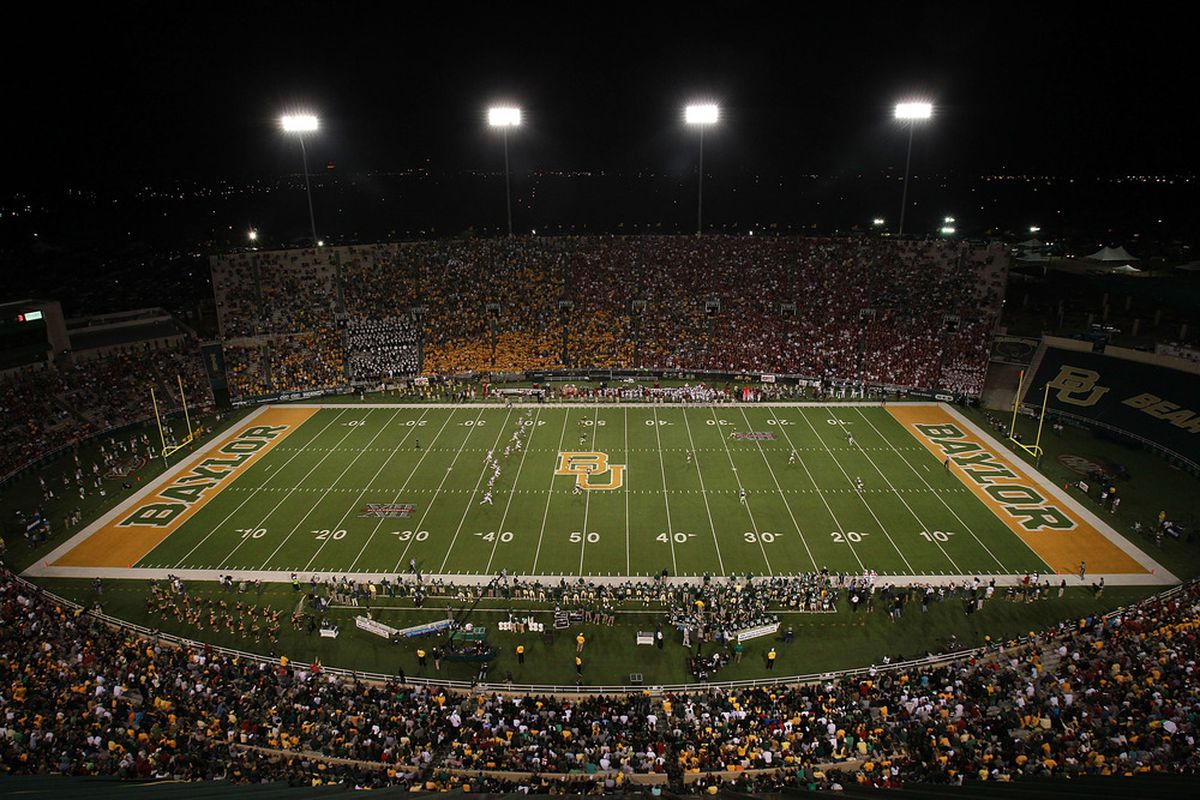 WACO, TX - NOVEMBER 19:  A general view of play between the Oklahoma Sooners and the Baylor Bears at Floyd Casey Stadium on November 19, 2011 in Waco, Texas.  (Photo by Ronald Martinez/Getty Images)