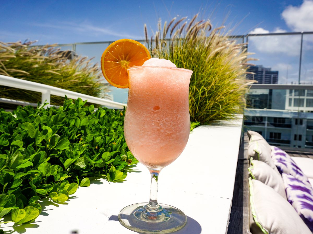 Luau Polynesian Catering Service Miami Fort Lauderdale: Best South Florida Spots To Chill With Frosé