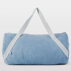 "<b>American Apparel</b> Diagonal Strap Gym Bag in light vintage denim/natural, <a href=""http://store.americanapparel.net/product/index.jsp?productId=rsa0512"">$48</a>"