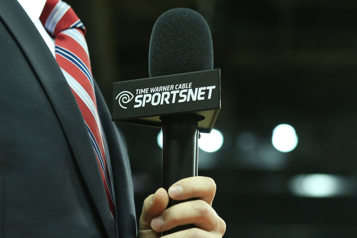 This microphone has more useful information to share than 99% of people reporting on the lockout.