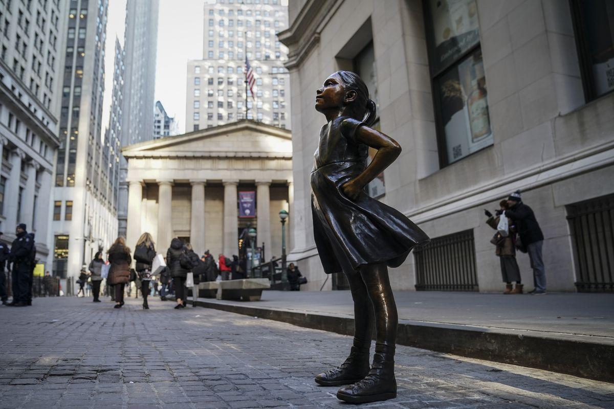 Wall Street S Fearless Girl State Street Isn T Always Pro Woman Vox