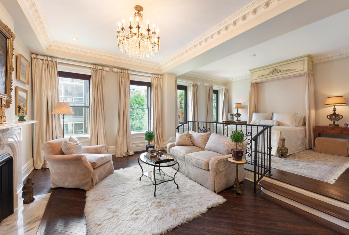 Musician Michael Feinstein's Upper East Side mansion sold