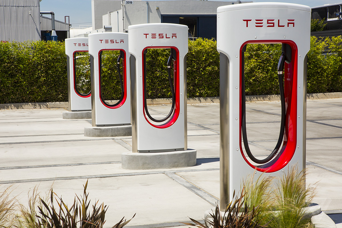 Tesla looking to add convenience stores to some Supercharger stations