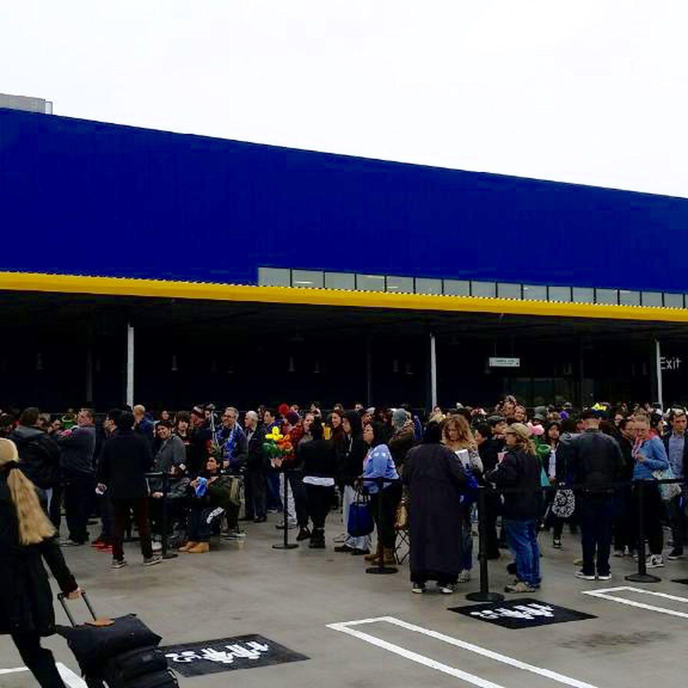 Ikea In The U S Is Now Open Burbank