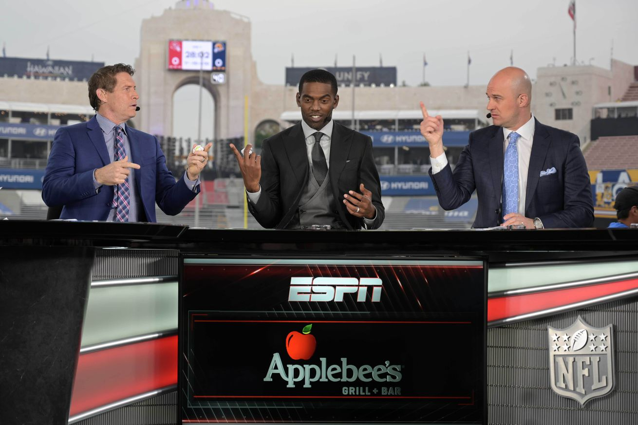Sunday open thread: Which national NFL analysts do you like the best?