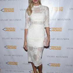 Devon Windsor wears the Stuart Weitzman 'Grandiose' booties.