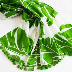 "<a href=""http://www.katespade.com/bungalow-scarf/PSRU0448,default,pd.html?dwvar_PSRU0448_color=354&start=3&cgid=accessories-hats-and-scarves"" rel=""nofollow"">Bungalow scarf</a>, $95"