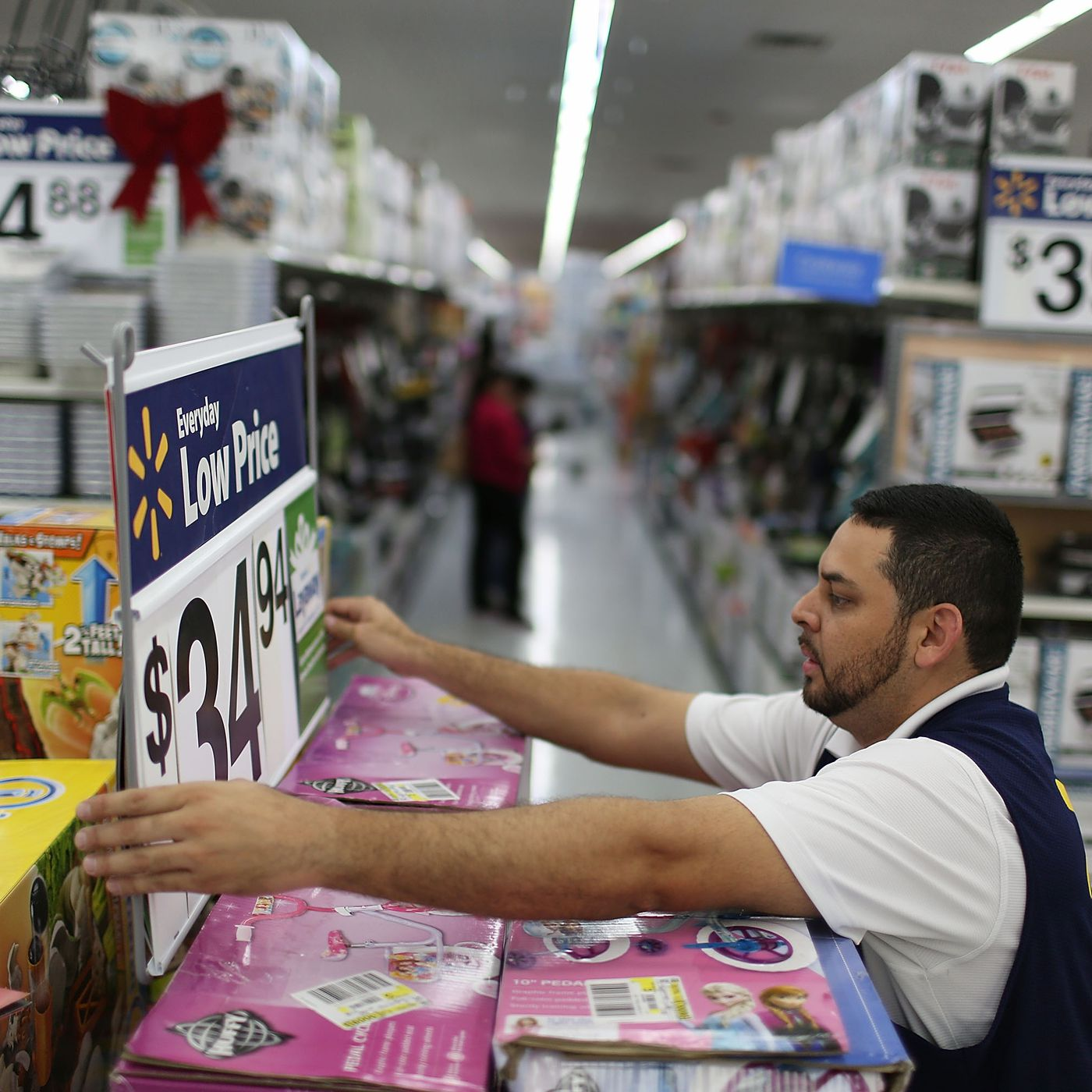 How Walmart Is Trying To Reinvent In Store Shopping To Win Black Friday The Verge